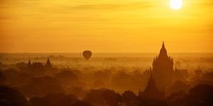Sunrise Balloons Ride in Bagan