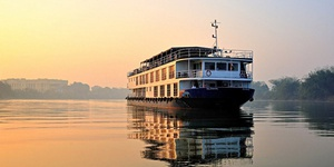 Cruise in Myanmar